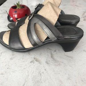 Naot slip on heel silver sandals 40
